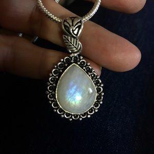 Jewelry - NEW Rainbow moonstone necklace